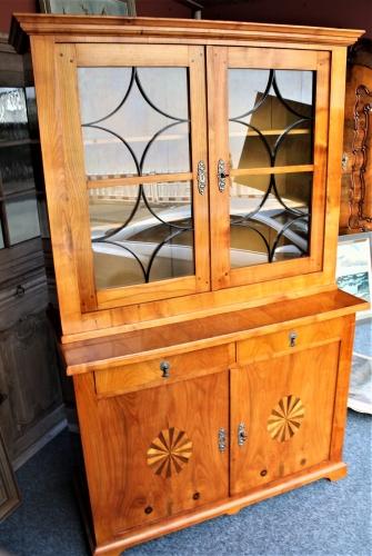 Kunsthaus Rosteck Lemgo Antike Möbel Glasschränke
